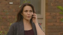 Libby Kennedy in Neighbours Episode 5983
