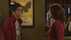 Zeke Kinski, Rebecca Napier in Neighbours Episode 5983