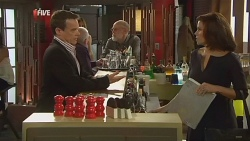 Paul Robinson, Rebecca Napier in Neighbours Episode 5984