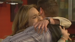 Sonya Mitchell, Toadie Rebecchi in Neighbours Episode 5984