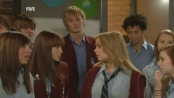 Summer Hoyland, Andrew Robinson, Natasha Williams in Neighbours Episode 5984