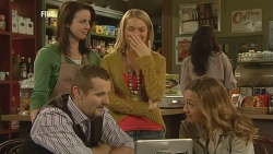 Kate Ramsay, Donna Freedman, Toadie Rebecchi, Sonya Mitchell in Neighbours Episode 5984