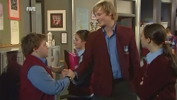 Callum Jones, Andrew Robinson, Sophie Ramsay in Neighbours Episode 5984