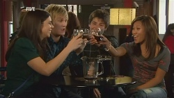 Alicia Berry, Andrew Robinson, Chris Pappas, Carey Thompson in Neighbours Episode 5985
