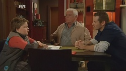 Callum Jones, Lou Carpenter, Toadie Rebecchi in Neighbours Episode 5985