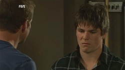 Michael Williams, Chris Pappas in Neighbours Episode 5985