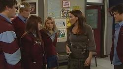 "Chris Pappas, Andrew Robinson, Summer Hoyland, Natasha Williams, Libby Kennedy, Dale ""Macca"" McGregor in Neighbours Episode 5986"
