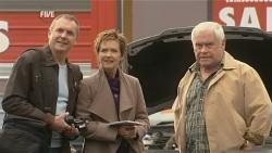 Karl Kennedy, Susan Kennedy, Lou Carpenter in Neighbours Episode 5987