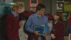 Andrew Robinson, Chris Pappas, Summer Hoyland in Neighbours Episode 5987