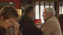 Susan Kennedy, Karl Kennedy, Lou Carpenter in Neighbours Episode 5987