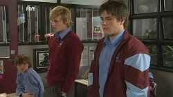 Andrew Robinson, Chris Pappas in Neighbours Episode 5987