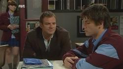 Summer Hoyland, Michael Williams, Chris Pappas in Neighbours Episode 5987