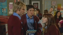 Andrew Robinson, Chris Pappas, Summer Hoyland in Neighbours Episode 5988