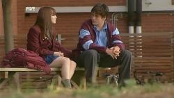 Summer Hoyland, Chris Pappas in Neighbours Episode 5988