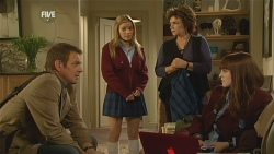 Michael Williams, Natasha Williams, Lyn Scully, Summer Hoyland in Neighbours Episode 5988