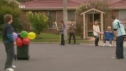 Callum Jones, Sophie Ramsay, Zeke Kinski, Sonya Mitchell, Lou Carpenter, Toadie Rebecchi in Neighbours Episode 5989