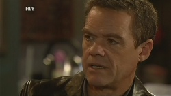 Paul Robinson in Neighbours Episode 5989