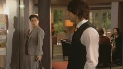 Diana Marshall, Declan Napier in Neighbours Episode 5990