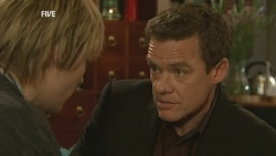 Andrew Robinson, Paul Robinson in Neighbours Episode 5991
