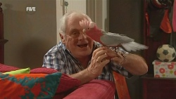 Lou Carpenter, Dahl in Neighbours Episode 5991