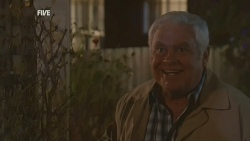 Lou Carpenter in Neighbours Episode 5992