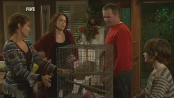 Susan Kennedy, Libby Kennedy, Dahl, Karl Kennedy, Ben Kirk in Neighbours Episode 5992