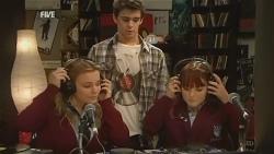 Natasha Williams, Zeke Kinski, Summer Hoyland in Neighbours Episode 5993