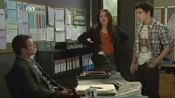 Michael Williams, Libby Kennedy, Zeke Kinski in Neighbours Episode 5993