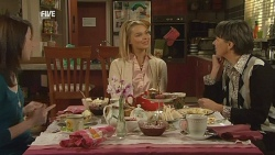 Kate Ramsay, Donna Freedman, Prue Brown in Neighbours Episode 5993