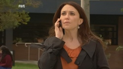 Libby Kennedy in Neighbours Episode 5993