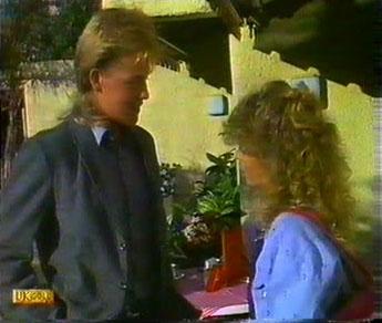 Scott Robinson, Charlene Mitchell in Neighbours Episode 0481