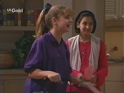 Hannah Martin, Miranda Starvaggi  in Neighbours Episode 2412