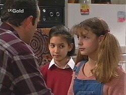 Philip Martin, Miranda Starvaggi, Hannah Martin  in Neighbours Episode 2412