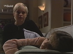 Lucy Robinson, Hannah Martin in Neighbours Episode 2413