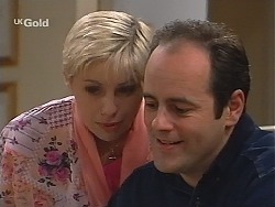 Lucy Robinson, Philip Martin in Neighbours Episode 2413