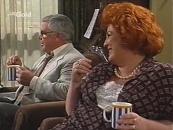 Lou Carpenter, Cheryl Stark in Neighbours Episode 2415