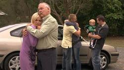 Sky Mangel, Harold Bishop, Boyd Hoyland, Steph Scully, Charlie Hoyland, Toadie Rebecchi in Neighbours Episode 5270