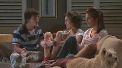 Zeke Kinski, Bridget Parker, Rachel Kinski in Neighbours Episode 5272