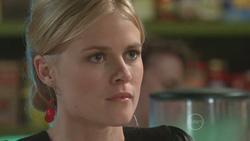Elle Robinson in Neighbours Episode 5276