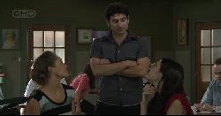 Sienna Cammeniti, Marco Silvani, Carmella Cammeniti in Neighbours Episode 5446