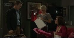 Paul Robinson, Elle Robinson, Rebecca Napier in Neighbours Episode 5448