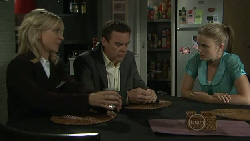 Kirsten Gannon, Paul Robinson, Elle Robinson in Neighbours Episode 5452
