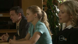 Paul Robinson, Elle Robinson, Kirsten Gannon in Neighbours Episode 5452