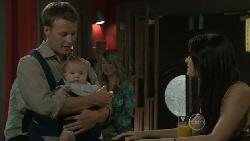 Oliver Barnes, Chloe Cammeniti, Carmella Cammeniti in Neighbours Episode 5453