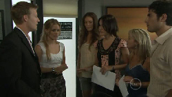 Oliver Barnes, Elle Robinson, Sienna Cammeniti, Carmella Cammeniti, Samantha Fitzgerald, Marco Silvani in Neighbours Episode 5453
