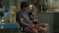 Riley Parker, Nicola West in Neighbours Episode 5454
