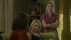 Lyn Scully, Steph Scully, Elle Robinson in Neighbours Episode 5460