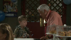 Mickey Gannon, Lou Carpenter in Neighbours Episode 5460