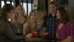 Lyn Scully, Steph Scully, Elle Robinson, Paul Robinson, Rebecca Napier in Neighbours Episode 5461