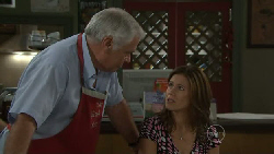 Lou Carpenter, Rebecca Napier in Neighbours Episode 5463